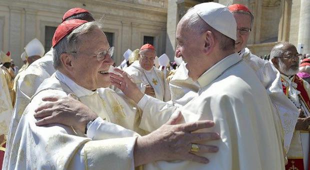 Papa Francesco, il cardinale Kasper: il pontefice vuole controllare la sua successione