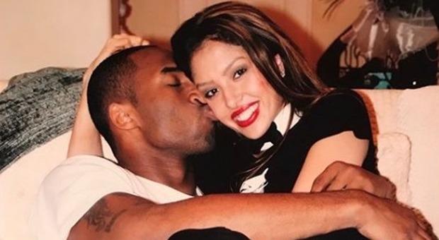 Kobe Bryant, la moglie Vanessa trova una lettera per il suo compleanno: ecco cosa c'è scritto