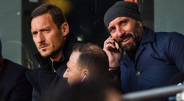 La Roma alza la voce: faccia a faccia tra il ds Monchi e la squadra, presente Totti