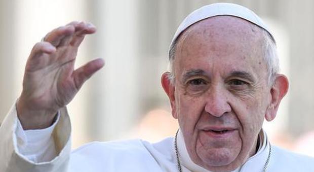 Papa Francesco confessa: «Andavo dall'analista»