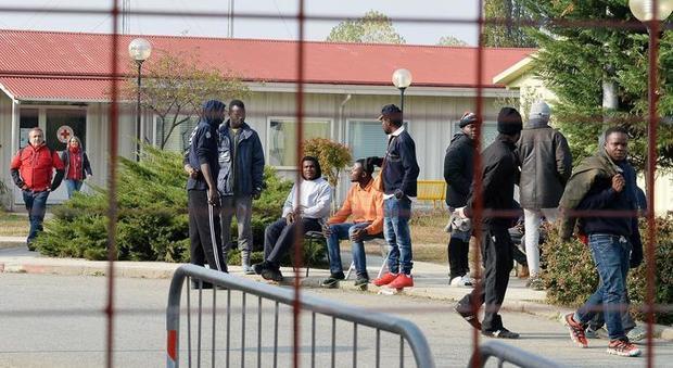 Migranti, il Viminale aumenta i rimborsi da 19 a 23 euro