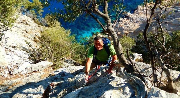 Trekking Selvaggio blu, si va verso ticket e numero chiuso. Ma scoppia la polemica