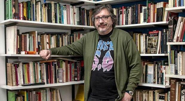Roma, lo scrittore argentino Sergio Olguin ospite online della scuola elementare Bonghi per parlare di sogni, futuro e del pallone di Maradona