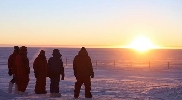 Stagione invernale, l'ultimo spicchio di Sole lascia il Polo Sud