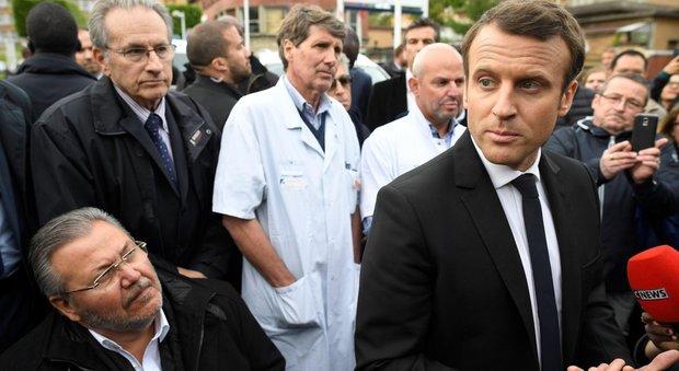 Francia, Hollande a Macron: con Le Pen non hai già vinto