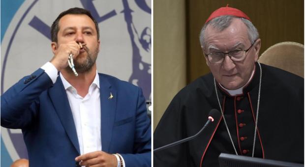 Salvini con il Rosario sul palco, il Vaticano: «Dio è di tutto, invocarlo per sé è pericoloso»