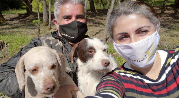 Elisa Ioni con Giuliano Martinelli, Lola e Birba