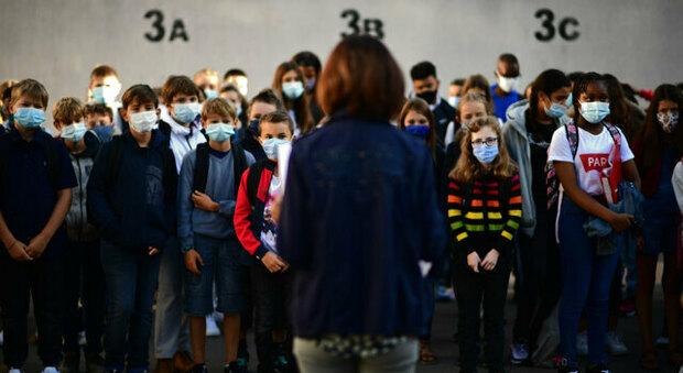 Covid e scuola, oggi torna in aula un milione di studenti, ma scattano di nuovo proteste in 23 città
