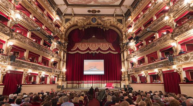 Napoli, giovane attrice si toglie la vita all'interno del teatro Bellini. «Viveva un dramma personale»
