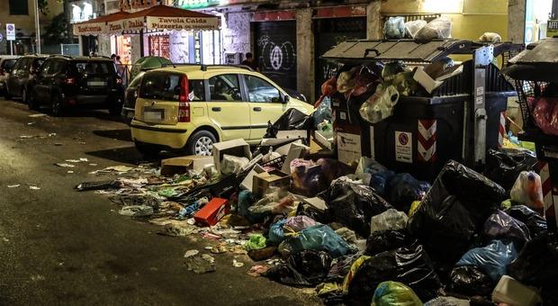 Rifiuti Roma, allarme dei presidi: «Valutare chiusura scuole, rischio emergenza sanitaria»