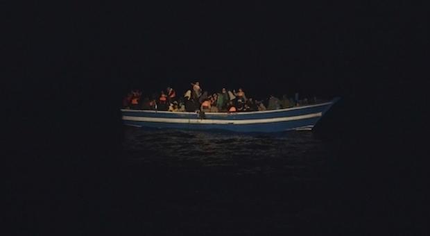 Lampedusa, naufraga barca con oltre 100 migranti, si temono vittime