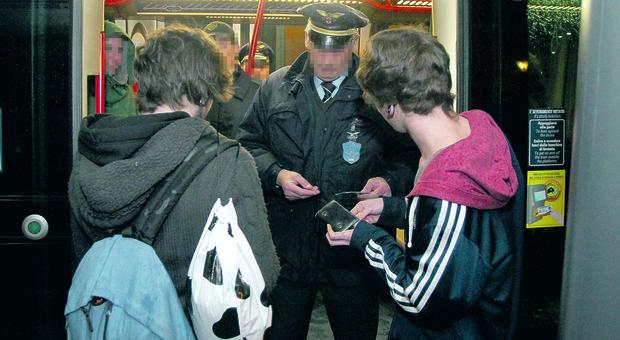 Controllore picchiato sul bus da ragazzo immigrato senza biglietto a Padova