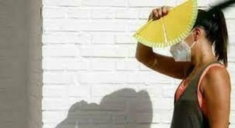 Meteo, caldo africano sull'Italia: malori al Centro-Sud, molti ricoveri. Il fenomeno del cielo giallo