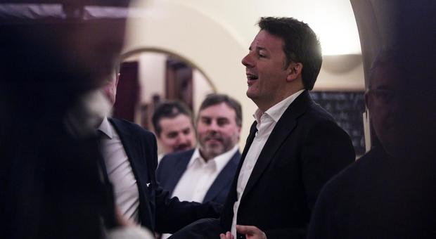 Renzi e Italia Viva a cena a Roma: «Goliardia e cori da stadio, cantavano Juve m...»