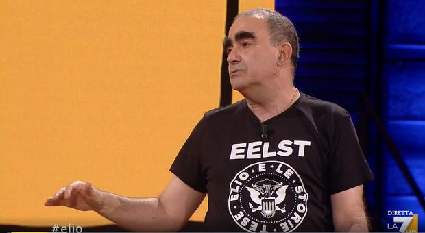 Autismo, l'amaro appello di Elio a Propaganda Live: «È un tema che non interessa a nessuno»