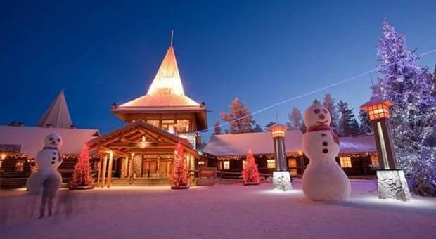 Viaggio Paese Babbo Natale.Finlandia Nel Villaggio Di Babbo Natale In Viaggio Al