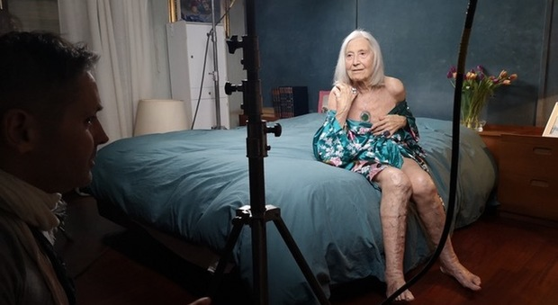 Nonna Licia Fertz durante il backstage dello shooting