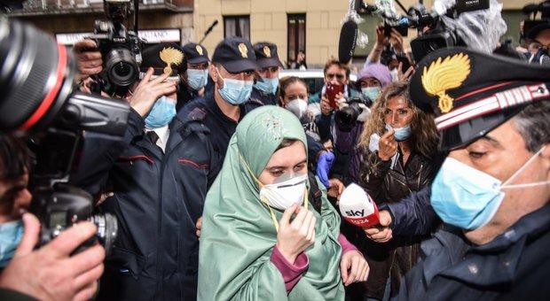 Silvia Romano, nascosta 72 ore su un trattore: il blitz dopo il riscatto in Qatar