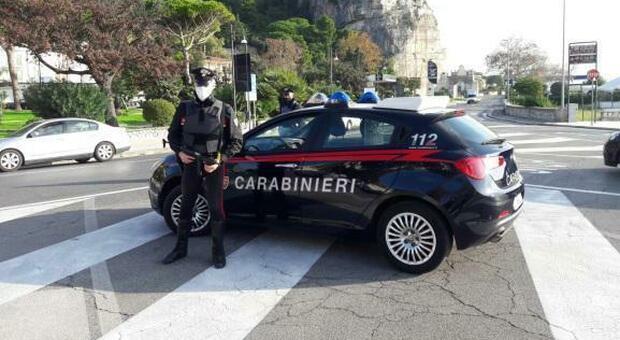 Spaccio di droga e truffa con una vendita on line, due denunce dei carabinieri