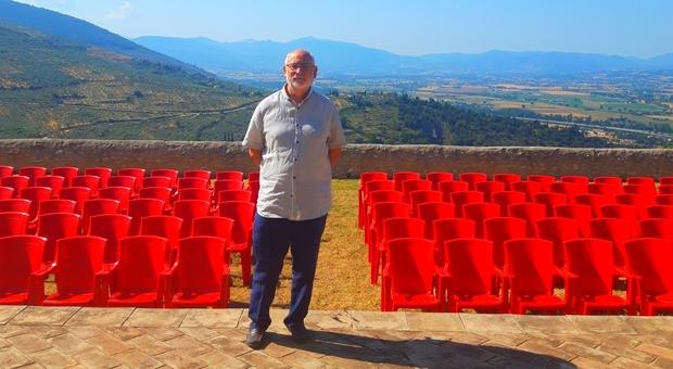 Il sindaco di Trevi, Bernardino Sperandio a Villa Fabri
