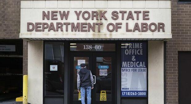 Usa, richieste di sussidi alla disoccupazione calano meno delle attese