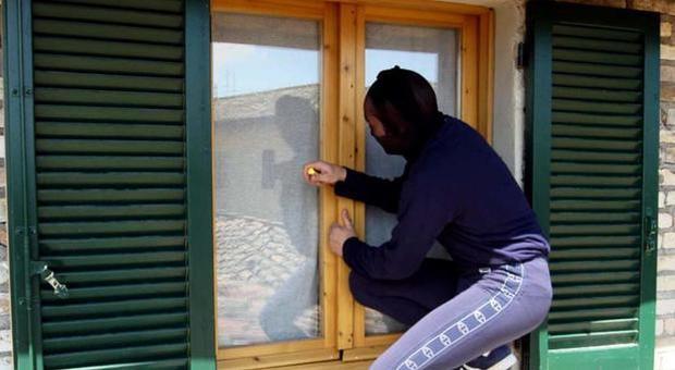 immagine Furti in casa durante le vacanze: ecco dove i ladri colpiscono di più e a che ora