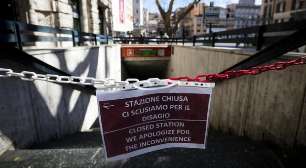 Roma, riapertura di Barberini «imminente»: le scale mobili superano il collaudo