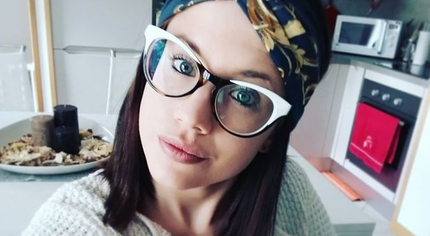 Ambra Ravanello, la giovane mamma muore a Latisana davanti al figlio di 3 anni: ipotesi malore, i pm indagano