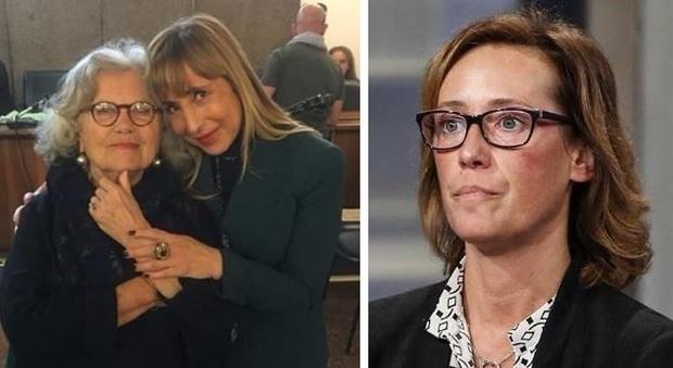 Roberta Petrelluzzi con Maria Lampitella, avvocato del carabiniere Raffaele D'Alessandro. A destra Ilaria Cucchi