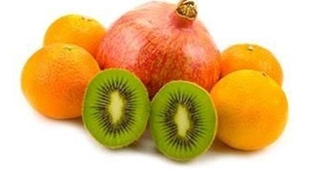 Dieta, ecco come smaltire i chili in più dopo le feste: kiwi e arance sono fondamentali