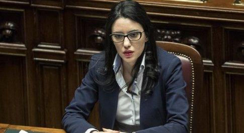 Azzolina: «La scuola riparte a settembre più forte di prima: tutti i docenti in cattedra»