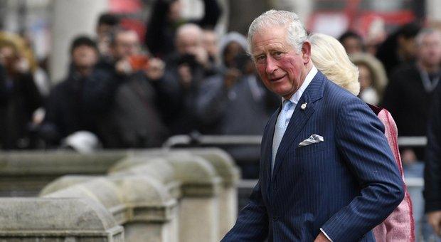 Coronavirus, il principe Carlo è guarito: «L'isolamento è finito, ora sta bene». Camilla resta in quarantena