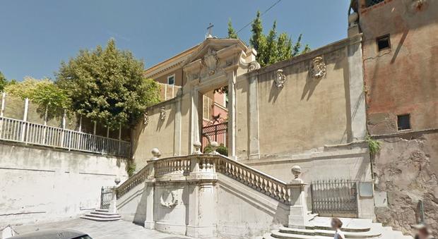 Roma, palazzo a rischio crollo a Monti: ordinato lo sgombero immediato