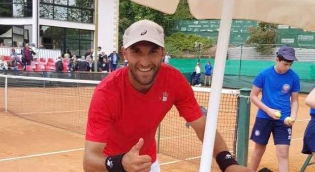 Erik Crepaldi è in coma, terribile incidente per il tennista di Vercelli. La fidanzata: «Impossibile un mondo senza di lui»