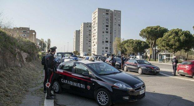 Roma, evade dai domiciliari per comprare le sigarette: ferì un'anziana durante una lite