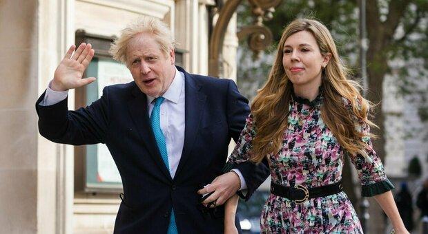 Boris Johnson si sposa in segreto davanti a 30 invitati: prime nozze in 199 anni per Downing Street