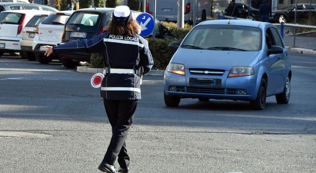 Dress code per le vigilesse: «Ecco la biancheria intima da indossare»