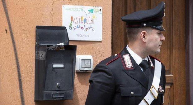 Roma, bimbo di 10 mesi morto all'asilo, la maestra sotto choc: «L'ho preso in braccio e ha smesso di respirare»
