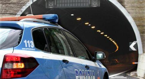 Fermato sull'A1, nel furgone nascondeva 125 kg di droga: arrestato 58enne di Latina