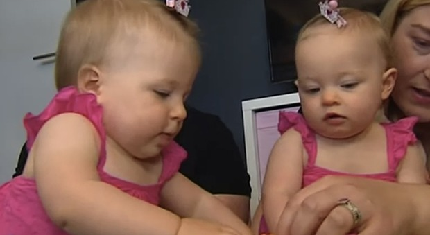 Australia, nascono a 10 giorni di distanza ma non sono gemelle: la mamma è rimasta incinta mentre era in attesa