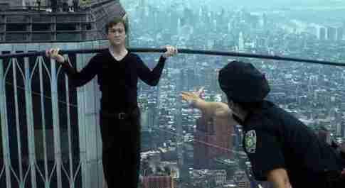 Stasera in tv, sabato 18 settembre su Rai 1 «The Walk»: curiosità e trama del film con Joseph Gordon-Levitt