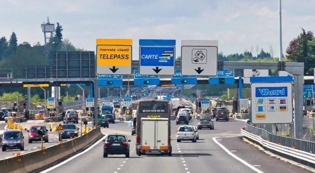 Atlantia, niente traffico sulle autostrade per effetto Covid: 10 milioni di perdite nel primo trimestre