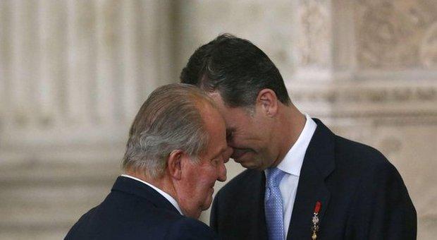 Spagna, Juan Carlos non è più re. E ora è polemica sull'immunità