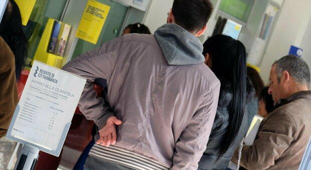 Dichiara il falso per ottenere il reddito di cittadinanza, ma Facebook la tradisce: donna di Ferentino denunciata dai carabinieri