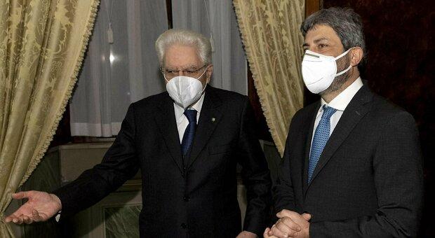 Crisi di governo, diretta. Mandato esplorativo a Fico. M5S: «No veti a Renzi». È caos