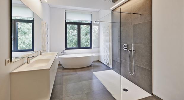 Vasca Da Bagno Perde Acqua : Bagno con doccia o vasca? cosa scegliere in base alle proprie esigenze