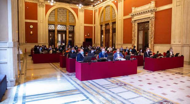 Decreto Scuola, novità post Covid: i deputati si trasferiscono in Transatlantico per votare