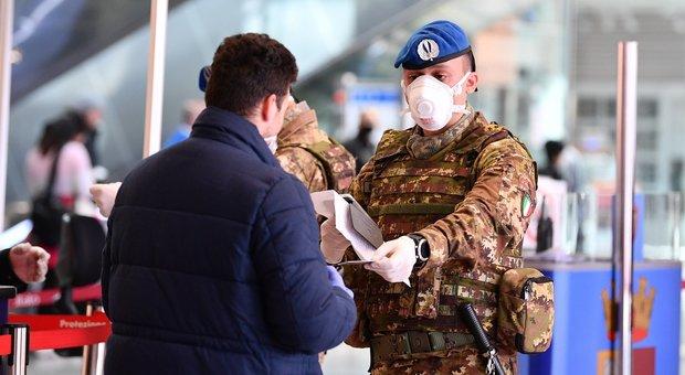 Coronavirus, esercito schierato contro le violazioni: 20mila soldati in strada per i controlli