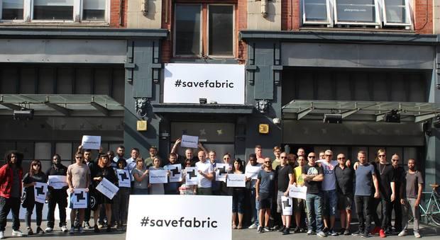 Londra, due morti per overdose nella discoteca: lo storico Fabric chiuso per sempre