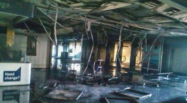 «Un cortocircuito dal frigo»: inchiesta su incendio Fiumicino punta sulla sicurezza